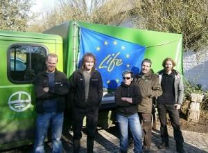 Boswachter Dirk Raes en het veldteam van LIFE+ Vlaams Veldgebied