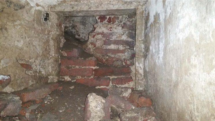 Archeologen ontdekken ondergrondse ruimte onder priorij groenendaal zoni nwoud - Ondergrondse kamer ...